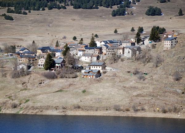 Le village de Puyvalador dans les Pyrénées