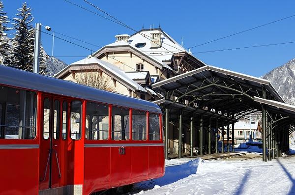 Le train à crémaillère pour accèder à la mer de glace